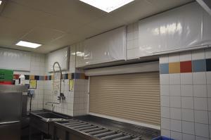 ljudabsorbent till vägg, hygienisk, trådkorg, 0mm distans, 50mm distans
